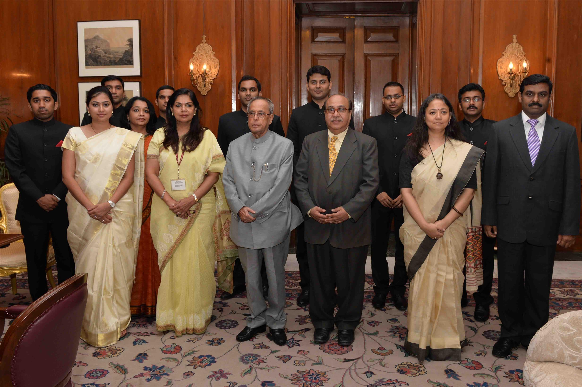 Presentation of memento to Hon ble President of India